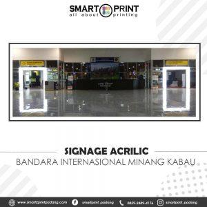 signage acrylic